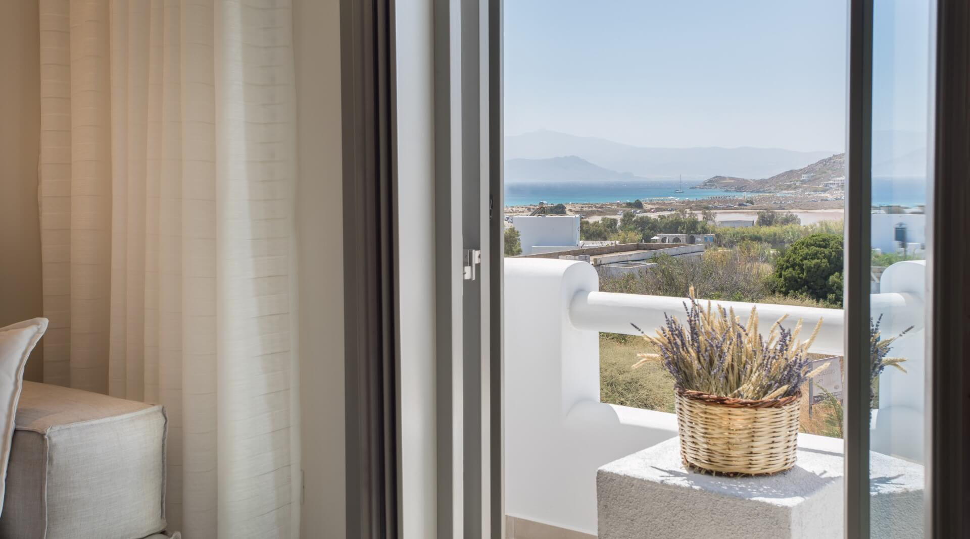 Sea-View-Suite-Jacuzzi (2)